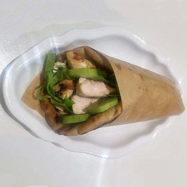 Σουβλάκι µε φιλετίνια γαλοπούλας (διατροφ. πιάτο)